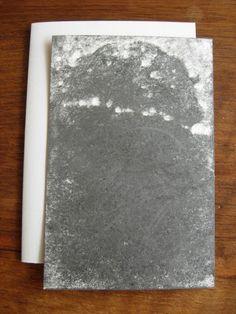Versant VI  Michel BUTOR & Paul de PIGNOL. Etant l'Etna. Dessins de P. de Pignol. Rouen, L'Instant perpétuel, juillet 2013. 15 x 11 cm, 32 p., ill., en feuilles sous couv. illustrée à rabats. ISBN 2-915848-31-9. E.O. Tirage limité à 99 ex. numérotés, tous signés par M. Butor et P. de Pignol. Les 6 premiers comportent chacun un collage original signé de M. Butor, et un Versant noir, dessin original signé de P. de Pignol. Les 3 premiers comportent en outre un manuscrit autographe de l'auteur.
