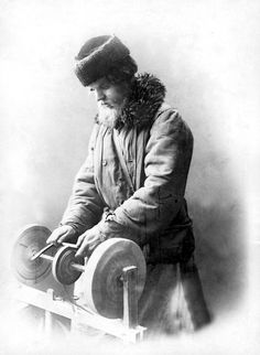 Interesting news from Russia in English language. Knife Grinder, Imperial Russia, Knife Sharpening, Interesting News, Medieval Art, English Language, Old Photos, The Past, Prints