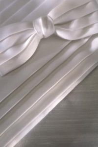 Bow Tie Types of Curtain Tie-Backs. For deck french doors and shower curtain. Satin Curtains, French Door Curtains, Diy Curtains, French Doors, Curtain Tie Backs Diy, Curtain Ties, Sewing Hacks, Sewing Tips, Sewing Projects