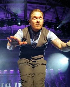 Via @LandersCenter: .@Shinedown is ON THE STAGE! @CarnivalMadness #BrentSmith #Shinedown