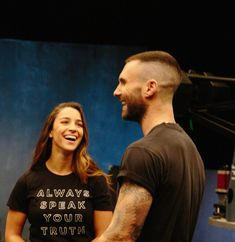 Girls Like You (Behind The Scenes) Adam Levine Haircut, Adam Levine Style, My Baby Daddy, Workout Hairstyles, Bald Fade, Adam And Eve, All Smiles, Haircuts For Men, Im In Love