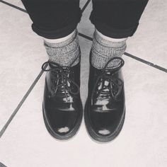 Docs & socks. Low dr. Martens and grey ribbed Weekday socks.   NIESHH.com | fashion, beauty & lifestyle blog