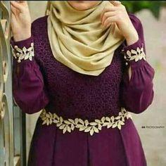 Batik Fashion, Abaya Fashion, Skirt Fashion, Fashion Dresses, Islamic Fashion, Muslim Fashion, Hijab Style Dress, Style Oriental, Kimono Design