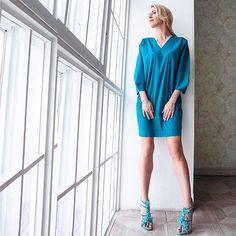 Итальянский хлопок и кружево - идеальный летний тандем. Платье можно носить с любой обувью - всё зависит от настроения😉.  __________________  Платье с кружевом #артикулпл43 в наличии в фиолетовом, бирюзовом, брусничном и чёрном цвете.  Цена: 6900₽  Все платья удобно посмотреть в каталоге: @uona.catalog 💐