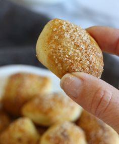Soft-Zimt Pretzel Bites | gardeninthekitchen.com