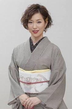 若村麻由美 五条 - Google 検索 Asian Woman, Female Models, Famous People, Kimono, That Look, Japanese, Actresses, Lady, Womens Fashion