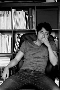 Steven Yeun [Glenn Rhee in The Walking Dead series] ok guys put out the fire bc its smoking hot in here wait never mind thats just steven yeun my futer husband! _ wise words of Shayla Little Glenn The Walking Dead, The Walk Dead, Steven Yeun, Glenn Y Maggie, Ricky Dicky, Best Zombie, Glenn Rhee, Stuff And Thangs, Man Stuff