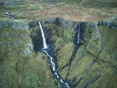 The incredible Grundarfoss in Iceland [OC] [3992  2992] -...