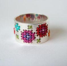 ring cross stitch metal