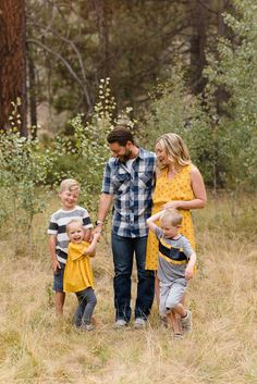 Natural light newborn and family photographer in Bend Oregon