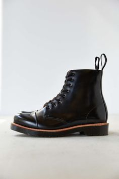 Dr. Martens Charlton 8-Eye Polished Boot e99482df8772
