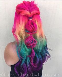 Beauty: Fantasy Unicorn Purple Violet Red Cherry Pink yellow Bright Hair Colour Color Coloured Colored Fire Style curls haircut lilac lavender short l. Pelo Multicolor, Twisted Hair, Bright Hair Colors, Colorful Hair, Hair Colours, Rainbow Colors, Cake Rainbow, Colorful Food, Rainbow Shoes