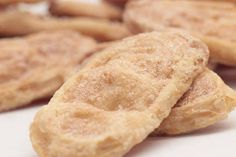 This Otap Recipe is from Cebu and is known in the entire country for the Otap's shape. It is a baked biscuit which is brittle and is garnished with sugar.