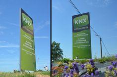 Conception et réalisation d'un nouveau totem publicitaire avec structure en aluminium soudé de 2 mètres + 80 cm pour KNX Automation à Couthuin.