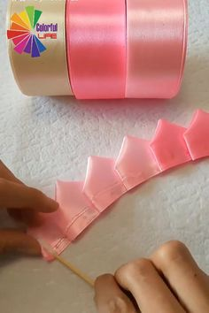 sionay machado saved to Dia de la Madre - - sionay machado saved to Dia de la Madre DIY Sionay Machado zum Muttertag gerettet Diy Crafts Hacks, Diy Crafts For Gifts, Diy Home Crafts, Diy Arts And Crafts, Creative Crafts, Fun Crafts, Paper Flowers Craft, Paper Crafts Origami, Flower Crafts