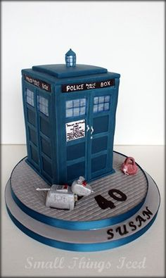 Dr. Who Tardis cake =) i'm gonna need this for my bday..soo, who's making it?! lol