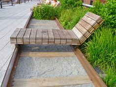 Movable Lounge Chaise Along Rail, The High Line, NYC | por Reston2020