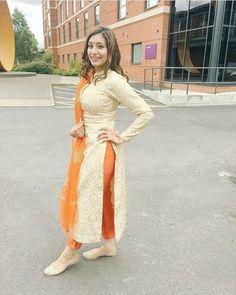 Pakistani Dresses, Indian Dresses, Indian Outfits, Punjabi Fashion, Indian Bridal Fashion, Bollywood Fashion, Stylish Dress Designs, Stylish Dresses, Kurta Designs