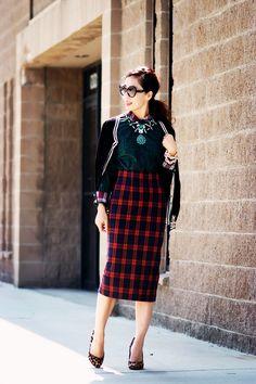 41ac31cb2ac Old Hollywood Glam  High Waist Pencil Skirt with Leopard Heels (Hallie  Daily)