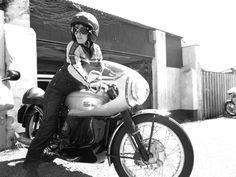 SPECIFICATION OF VELOCETTE Thruxton 1961