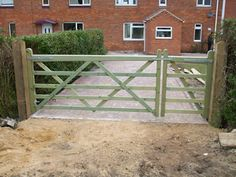 Seeing a trend with the doubleX's. Electric Gate Opener, Electric Gates, Driveway Entrance, Entrance Gates, Driveway Ideas, Farm Gate, Fence Gate, Gate Post, Backyard Plan
