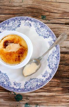 tradicional portuguese milk custard (leite creme)