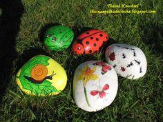 pintura-em-pedras-como-fazer-e-como-vender-1 Birds, Christmas Ornaments, Holiday Decor, Painted Stones, 1, Google, Herb Garden, Painting On Stones, Painted Rocks