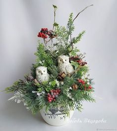 , Diy And Crafts, Interior composition handmade. Winter composition with owls. Arts and crafts fair. A gift for the new year, New Year& composition. Christmas Flower Arrangements, Christmas Flowers, Christmas Mood, Merry Little Christmas, Floral Arrangements, Christmas Wreaths, Christmas Crafts, Outdoor Christmas Decorations, Christmas Centerpieces