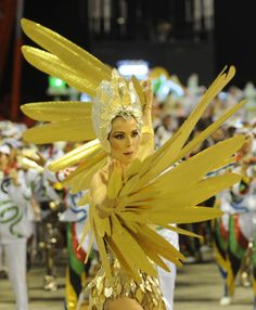 Carnival parade at the Sambadrome in Rio de Janeiro, February 2012 Samba, Midsummer Nights Dream, Mardi Gras, Crying, February, Angels, Wings, Creatures, Geek