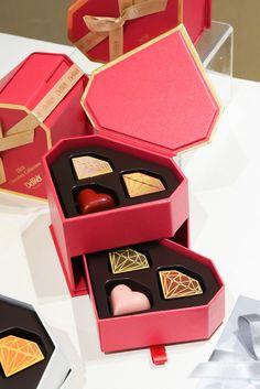 Dessert Packaging, Perfume Packaging, Food Packaging Design, Coffee Packaging, Bottle Packaging, Packaging Design Inspiration, Brand Packaging, Chocolate Box Packaging, Chocolate Gift Boxes