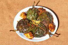 भरवां बैंगन बनाने की विधि – Bharwa Baingan Recipe in Hindi Baingan Masala, Garam Masala, Healthy Eggplant, Eggplant Recipes, Coriander Powder, Garlic Paste, Masala Recipe, Red Chilli, Fennel