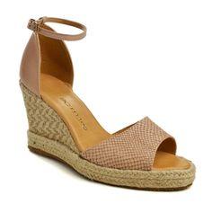7added87b A sandália Anabela Bottero Snake marrom, é uma sandália anabela perfeita  para dias mais quentes e para compor looks românticos!