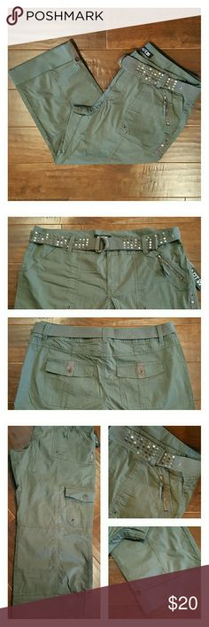"""APT. 9 Army Green Cargo Capris w/Belt Very cute APT. 9 army green capris with cuffs, cargo pockets and lots of fun details including a sweet belt. 97% cotton and 3% spandex.  Inseam is 23"""" and outseam is 32"""". New w/tag. APT. 9 Pants Capris"""
