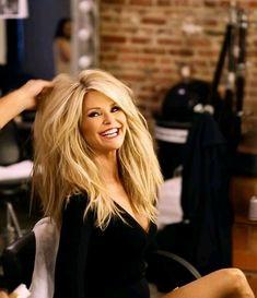 Christie Brinkley - Watch here stunning video Christie Brinkley, Ageless Beauty, Layered Hair, Great Hair, Big Hair, Hair Dos, Gorgeous Hair, My Idol, Blonde Hair