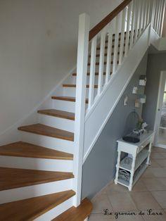 Escalier … – Broc et Patine – Le grenier de Sara House Staircase, Attic Staircase, Modern Staircase, Staircase Design, Painted Staircases, Staircase Makeover, Stair Railing, Banisters, Home Staging