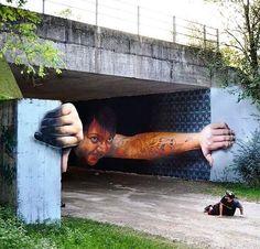 Hay graffitis y GRAFFITIS.