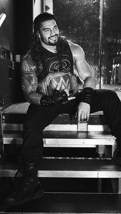 Day-uuum! SO fine! Roman Reigns Wwe Champion, Wwe Superstar Roman Reigns, Wwe Roman Reigns, Wrestling Posters, Wrestling Wwe, Roman Reigns Dean Ambrose, Roman Regins, Wrestling Superstars, Wwe Champions
