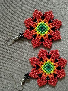 Beaded Flowers Patterns, Beaded Earrings Patterns, Beading Patterns, Beaded Bracelets, Brick Stitch Earrings, Seed Bead Earrings, Native American Beadwork, Beaded Animals, Tear