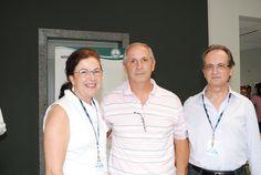 Servidor Luiz Mauro de Andrade é homenageado pelos diretores da FMB.