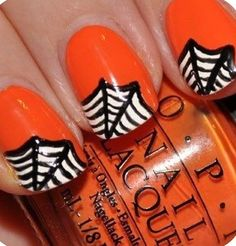 Most unique and beautiful Nail designs or ideas of Nail Polish art. We publish different and new designs of nail art. Gel Nail Polish art is essential for Fancy Nails, Love Nails, How To Do Nails, Pretty Nails, Style Nails, Diy Halloween Nails, Halloween Nail Designs, Halloween Spider, Happy Halloween