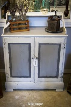 Cabinet renewed with Shabby Paints Alamo White and Lillian Gray.
