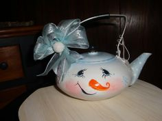 Vintage snowman tea pot, Dion's Decorative Designs on Facebook.