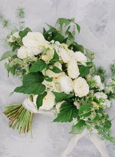 Stunning coastal Micro-Wedding Inspiration with beautiful florals | Oregon Wedding Inspiration Coastal Wedding Inspiration, Romantic Table, Seattle Wedding, Bridal Flowers, Wedding Shoot, Wedding Bouquets, Oregon, Florals, Floral Design