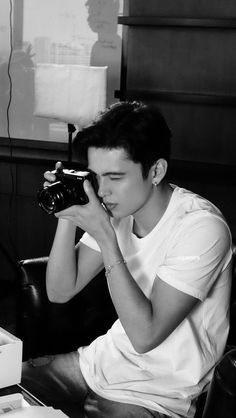 Toss This In Your Trunk To Literally Save Your Camera Gear! James Blue, James 3, James Reid Wallpaper, Darren Wang, Movie Talk, Australian Actors, Nadine Lustre, Jadine, Ideal Man