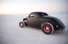 Speed Week 2010 fenderless coupe at the Bonneville Salt Flats
