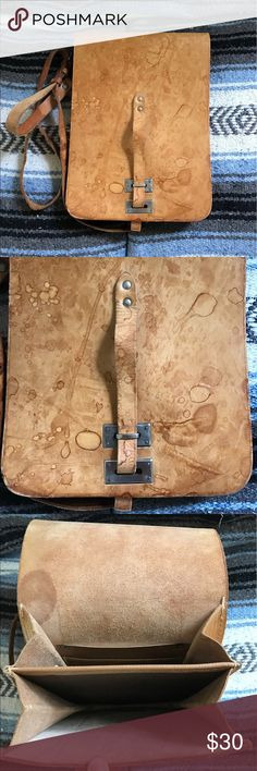 Vintage Leather Messenger Bag/Purse Strong and well built! Vintage Bags Crossbody Bags