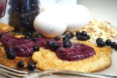 Hälsosamma grötpannkakor med nyttig blåbärssylt