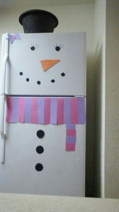Apartment decorating :) took 5 minutes So cute and I love snowmen!  Grandchildren would like too!