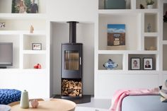 Femkeido | Familiehuis Voorhout Family Room Walls, Ikea, Kitchen Dining Living, Build A Closet, Relaxation Room, T Home, Built In Storage, Living Room Interior, My Room