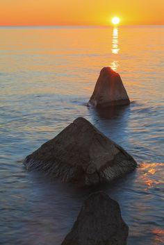 Dawn, North Point by Matthew John George on Capture Wisconsin // Lake Michigan, Milwaukee.